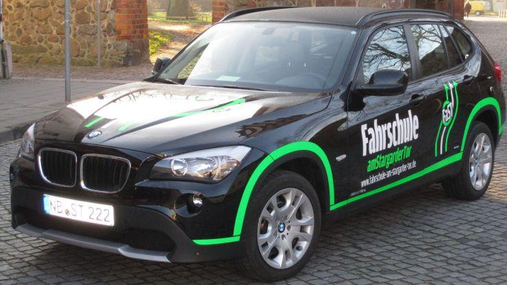 FaSTs schwarz-grüner BMW.